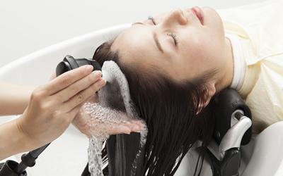 髪や地肌を整え美しいを形に